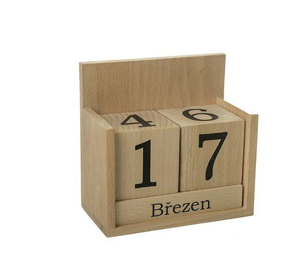 dřevěný kalendář stolní